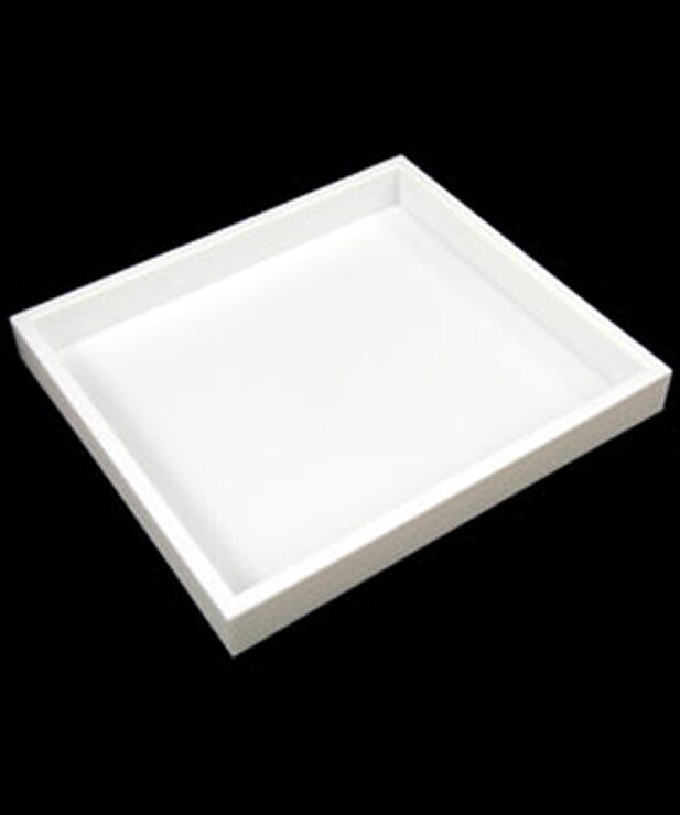 LOT OF 6 STACKABLE HALF SIZE TRAYS WHITE