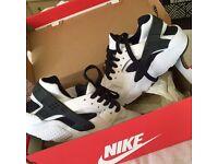 Nikes Huraches