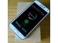 Samsung Galaxy S5 CERAMIC WHITE in a Box with all the Accessories - SIM FREE UNLOCKED To All Network