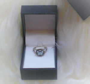 Bague en argent avec vraie pierre -- Silver Ring with Real Stone