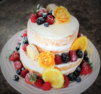 beautiful wedding cakes and guest favors