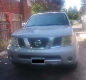 2006 Nissan Pathfinder LE