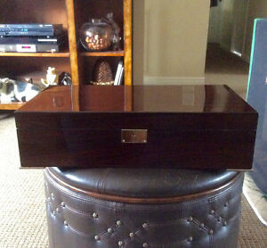 EXCELLENT CONDITION X-LARGE DOUBLE LAYER HUMIDOR