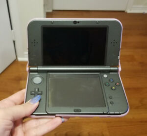NEW 3DS XL - w/ charger and case