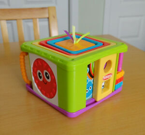 Cubes empilables Playskool