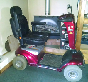 Scooter-4 wheel with 2 new batteries