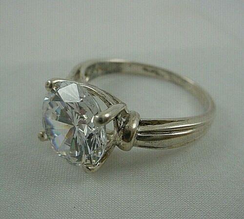Signed DIAMONIQUE Solitaire Ring Size 9