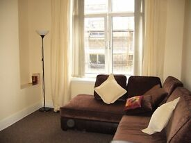 Bright one bed flat in Elmbank Road