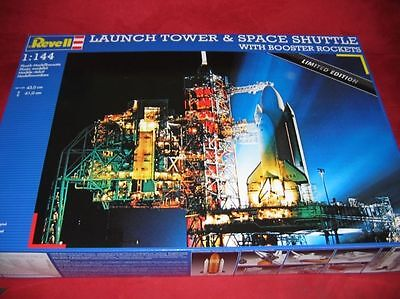 REVELL® 04911 1:144 LAUNCH TOWER&SPACE SHUTTLE WITH BOOSTER ROCKETS NEU OVP