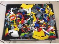 1kg Lego plus mini-figure