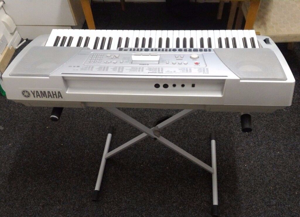 Yamaha Psr 450 Keyboard In Dunkirk Nottinghamshire