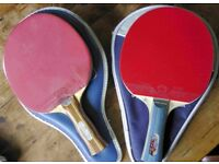 Quality table tennis bats / ping pong paddles with two balls and cases.