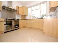 4 bedroom house in Ridge Avenue, Winchmore Hill