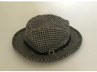 Retro Houndstooth Fedora Hat - Black & White
