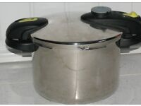 NEW STYLISH FAGOR FUTURE 4 LITRE PRESSURE COOKER, ABSOLUTE BARGAIN £30, RRP £75, CAN POST