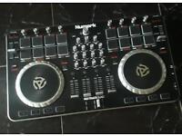 Numark Mixtrack Quad Pro - DJ Controller 4 Channel