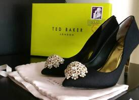 Ted Baker PEETCH2 Brooch detail courts