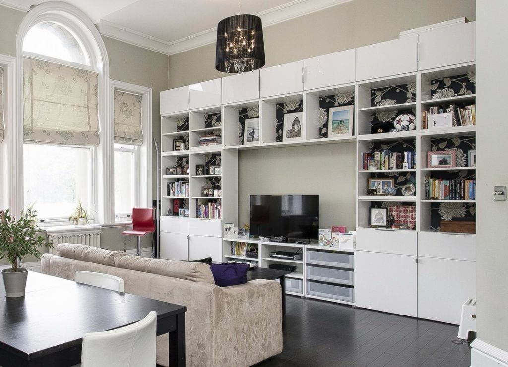 ikea besta wall unit high gloss white must sell in. Black Bedroom Furniture Sets. Home Design Ideas
