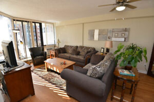Bachelor Apartment for Rent Minutes to Downtown!