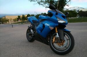2005 Kawasaki Ninja ZX6R. Low kms