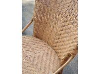 2 wicker chairs, in good condition