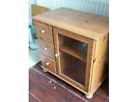 Oak Style Bedroom or Living Room Unit with 3 drawers