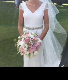 Pronovias Wedding Dress 10/12