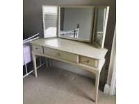 Dressing Table - Upcycling Project