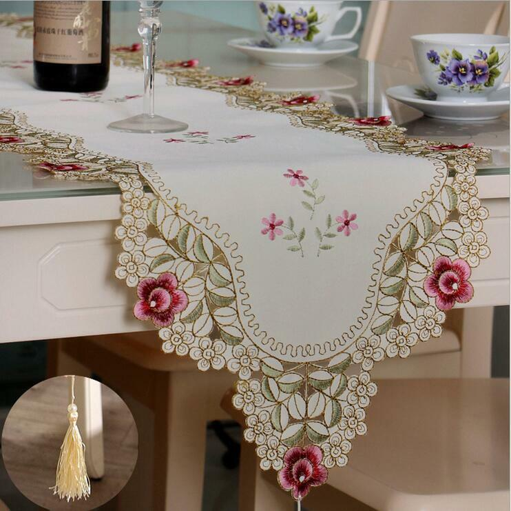 Embroidery Floral Hollow Cut Dining Table Runners with Tasse