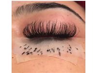Semi permanent eyelashes