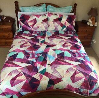 Queen size bed doona set