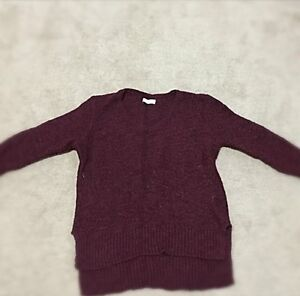 ABERCROMBIE & FITCH BURGUNDY KNIT SWEATER!