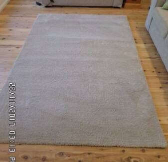 Rug Shaggy Taupe As New