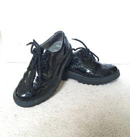 Girls smart black shoes