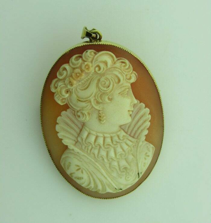 18K Yellow Gold Cameo Brooch Pin Pendant Lace Collar Detailed Hair 080421