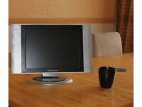 "Swisstec 15"" LCD TV Receiver"