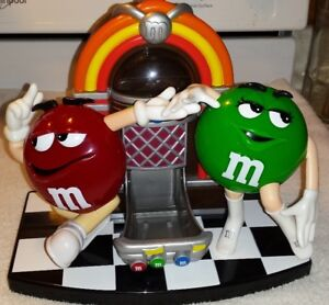 4 VINTAGE M&M DISPENSERS JUKEBOX BASKETBALL MOVIE RECLINER