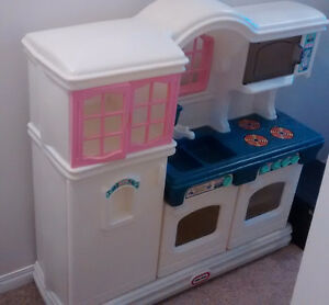 Little Tikes kids kitchen