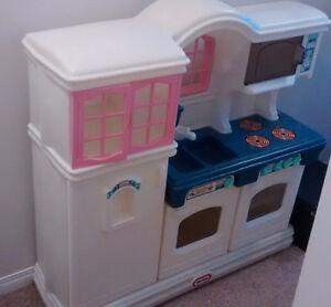 Little Tikes kids kitchen