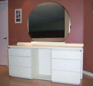 Bedroom Set ( 4 pieces)