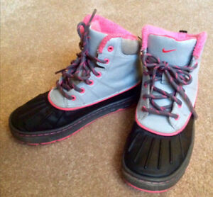 Nike Winter Shoes, size 3 US $15 and other winter stuff for 6-9y