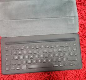 iPad pro keyboard (12.9 inches)