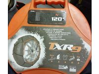 TXR9 and carpoint snow chains. Fits all kind of wheel sizes.
