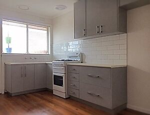 2 BED UNIT, avail NOW!! St Albans Brimbank Area Preview
