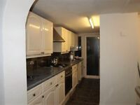 Bright & Spacious 2 Bedroom House