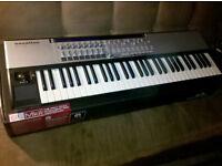 Novation keyboard 61 SL MK2 semi-weighted keys - USB MIDI Keyboard piano Automap logic studio