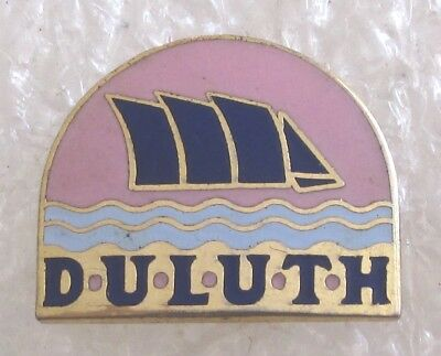 City of Duluth, Minnesota Tourist Travel Souvenir Collector Pin