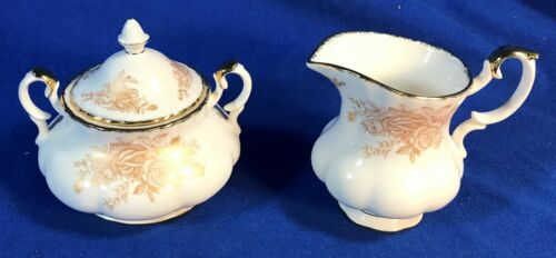 ROYAL ALBERT HARD TO FIND OLD COUNTRY ROSES GOLD CREAMER SUGAR BOWL LID