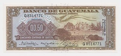 Guatemala Banknote 1/2 0.50 Quetzal  6.1. 1971  UNC P51h Bird Rare Grade