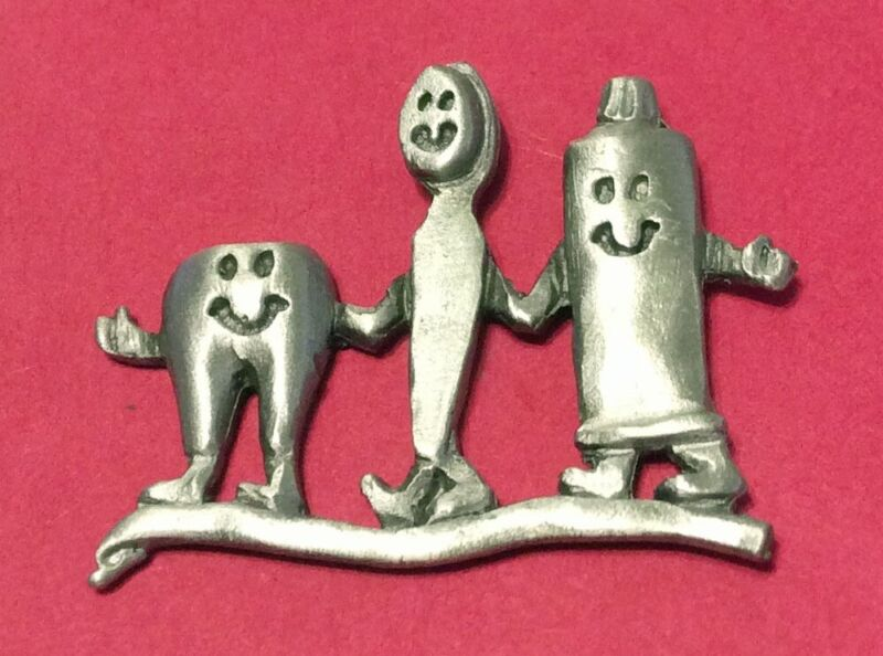 TOOTH, TOOTHBRUSH, TOOTHPASTE DENTAL TRIO TACK PIN